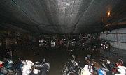 Dân văn phòng Sài Gòn khốn đốn 'giải cứu' 1.000 xe bị chìm