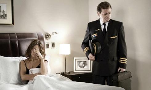 Tại sao thuyền trưởng đòi ly dị vợ khi bất ngờ bước vào phòng?