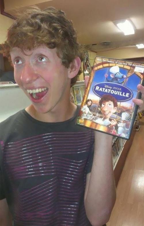 Chàng đầu bếp vụng về trong bộ phim Ratatouille.