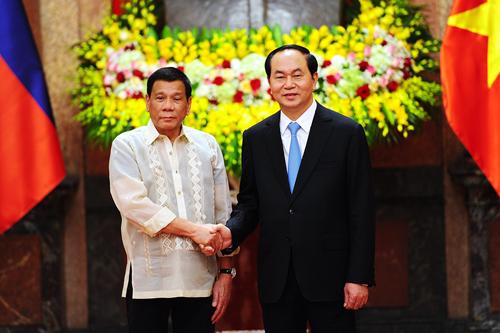 viet-nam-philippines-keu-goi-khong-de-doa-hoac-dung-vu-luc-o-bien-dong