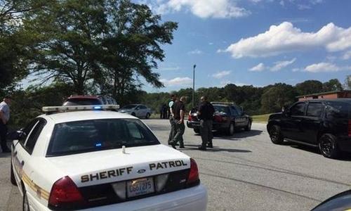 Cảnh sát Mỹ phong tỏa hiện trường vụ nổ súng tại trường tiểu học. Ảnh: The State.