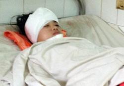Nữ sinh bị nạn khi vừa tan trường. Ảnh: Văn Trăm