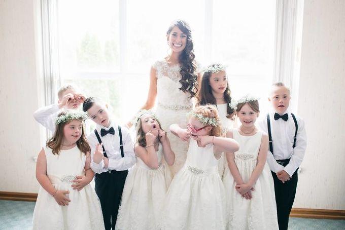 Cô giáo Mỹ mời tất cả học sinh mắc chứng Down tới dự lễ cưới