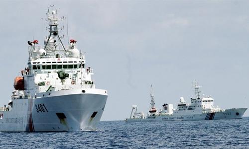 Trung Quốc đưa nhiều tàu hải cảnh ra hoạt động ở Biển Đông. Ảnh: Inquirer.