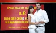 Siêu mẫu Hà Anh bức xúc vì bị dèm pha lễ đăng ký kết hôn chồng Tây