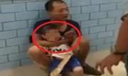 Video bé trai bị người lạ dí dao khống chế giữa siêu thị xem nhiều tuần qua
