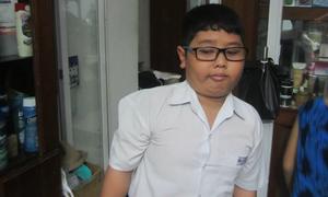 Cậu bé nhà nghèo quyết học tốt để trở thành bác sĩ