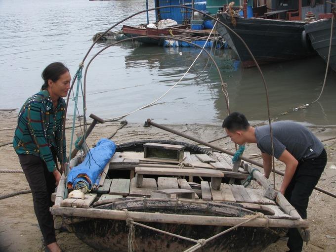 Dân Quảng Ninh chằng nhà, gặt lúa chạy đua với bão
