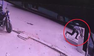 Video người đàn ông tử vong vì lọt hố ga ở Sài Gòn xem nhiều tuần qua