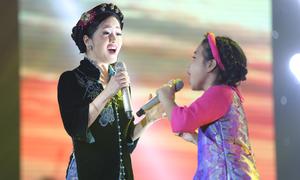 Mai Anh - Hồng Nhung hát 'Ngẫu hứng sông Hồng'