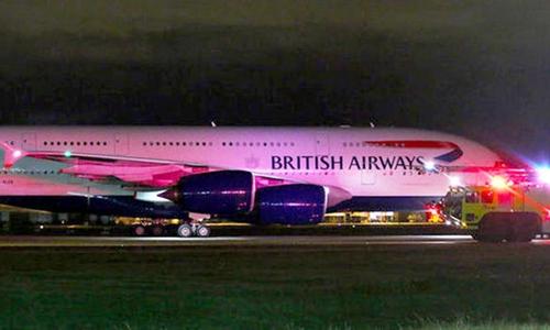 Phi cơ British Airways hạ cánh xuống Vancouver, Canada. Ảnh: Express/Twitter.