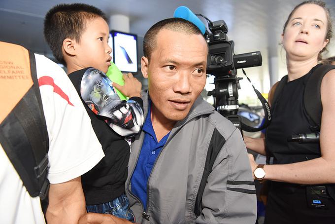 3 thuyền viên về nước sau 4 năm bị cướp biển giam cầm
