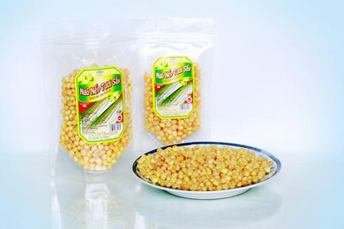 Những hạt ngô nếp tươi sấy có vàng ruộm tự nhiên. Ảnh: minhduongfoods.