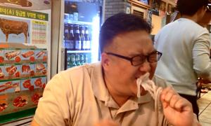 Món bạch tuộc nhảy múa trong miệng người Hàn Quốc