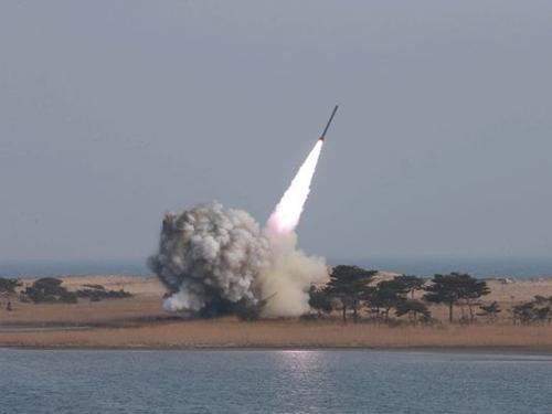 Triều Tiên phóng tên lửa đạn đạo. Ảnh minh họa: KCNA.