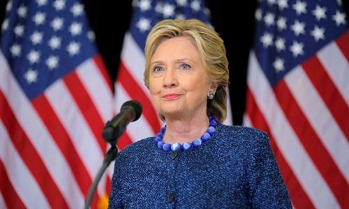 Khoảng cách dẫn trước của Hillary Clinton so với Donald Trump đã bị thu hẹp. Ảnh minh họa: Reuters.