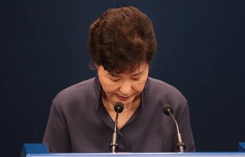 Bà Park tuần trước công khai xin lỗi về bê bối chính trị. Ảnh: Yonhap