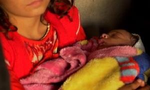 Đứa trẻ sinh ra từ người mẹ bị IS cưỡng hiếp