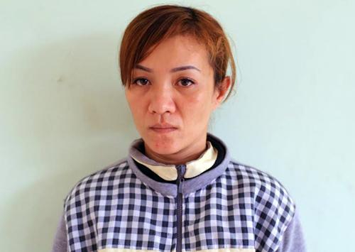 Chủ quán cà phê bị bắt giữ vì cho nữ tiếp viên bán dâm. Ảnh: Nguyệt Triều