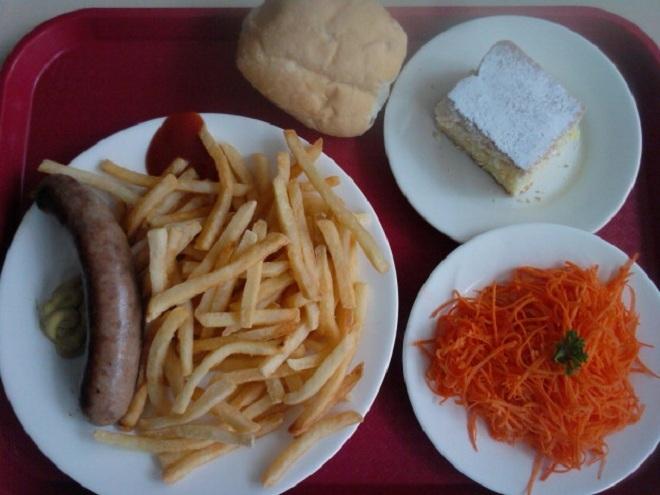 Thực đơn bữa trưa của học sinh các nước