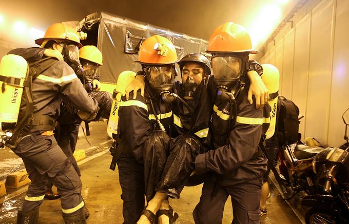 Diễn tập giải cứu 30 người kẹt trong hầm Thủ Thiêm