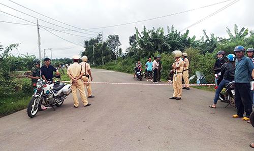 Cảnh sát đang phong tỏa các tuyến đường để bắt các học viên trốn trại. Ảnh: Phước Tuấn