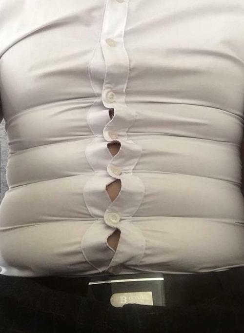 Hãy yêu một chàng trai mặc áo sơ mi trắng.