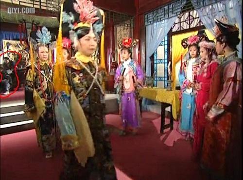 Những vị khách khác thường này chắc là nguyên nhân khiến hoàng hậu nổi cơn tam bành với nàng Hàm Hương.