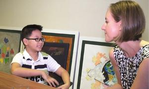 Bé lớp 2 ở Bình Định nói tiếng Anh trôi chảy nhờ tự học