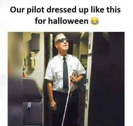 Cách phi công hóa trang ngày Halloween.