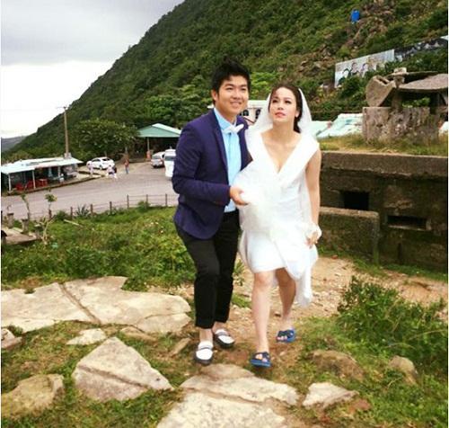 Cô dâu Nhật Kim anh xách váy, mang dép lê để chụp ảnh cưới.