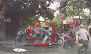 Va chạm giao thông, hai nam thanh niên đánh nhau giữa đường