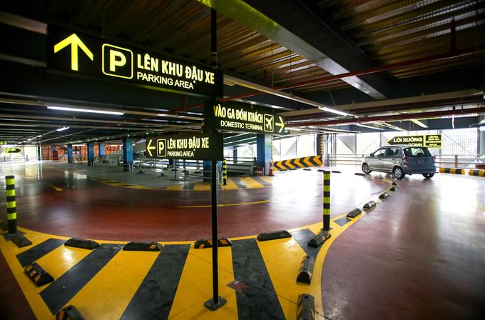 Bên trong nhà xe 550 tỷ đồng ở sân bay Tân Sơn Nhất