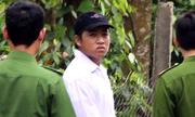 Nghi phạm giết 2 mẹ con trong biệt thự thực nghiệm hiện trường