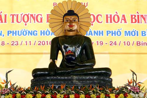 Tượng Phật ngọc hòa bình thế giới được