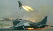 Cú nhảy dù vào phút chót cứu vãn thảm họa của phi công tiêm kích Anh