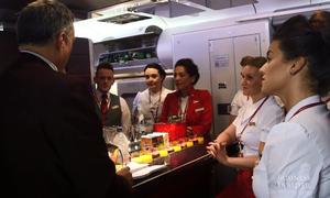 Điều gì diễn ra 15 phút trước khi khách lên máy bay?