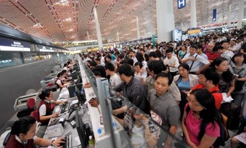 Trung Quốc có thể bỏ thủ tục trình căn cước vào năm sau để giảm quá tải ở sân bay. Ảnh: SCMP.