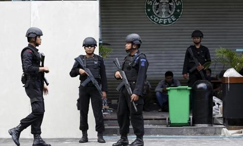 Cảnh sát chống khủng bố Indonesia. Ảnh: Reuters.