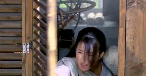nhung-loi-hai-huoc-trong-phim-co-trang-hoa-ngu-4