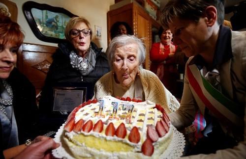 [Caption]Cụ Emma Morano trong ngày sinh nhật lần thứ 117 (Ảnh: Reuters)