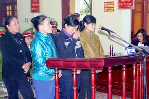 sau-phu-nu-kich-dong-nguoi-dan-la-het-tai-uy-ban-linh-an-tu