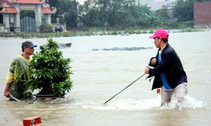 3 người chết, hàng nghìn nhà chìm trong mưa lũ miền Trung