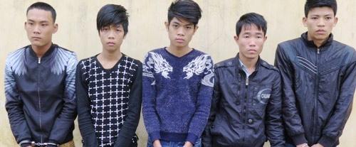 nhom-dao-chich-hon-20-lan-dot-nhap-nha-dan