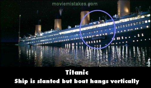 Dù của con tàu Titanic đang nghiêng dần xuống biển nhưng chiếc thuyền cứu hộ vẫn giữ được độ thăng bằng tuyệt vời.