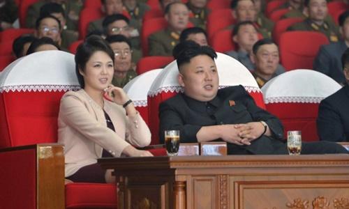 vo-kim-jong-un-bat-ngo-tai-xuat-sau-tin-don-mat-tich