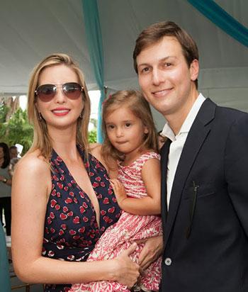 Ivanka vàKushner cùng con gái đầu. Ảnh: Blogspot