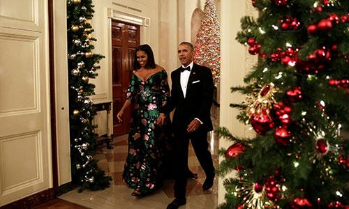ba-obama-long-lay-ben-chong-trong-tiec-nha-trang