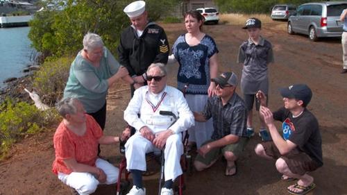 Mel Heckman và gia đình tại Trân Châu Cảng. Ảnh: