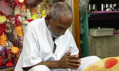Người đàn ông 120 tuổi ở Ấn Độ. Ảnh: Mirror.